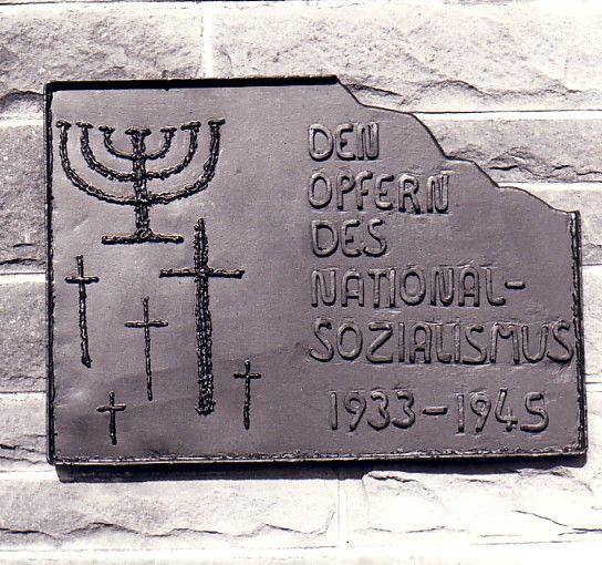 http://juden-in-baden.de/images/Images13/Hoffenheim%20Gedenktafel%2001.jpg